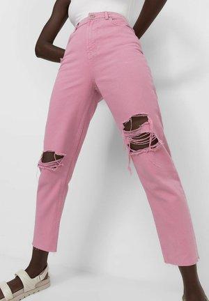 MOM FIT - Džíny Straight Fit - pink