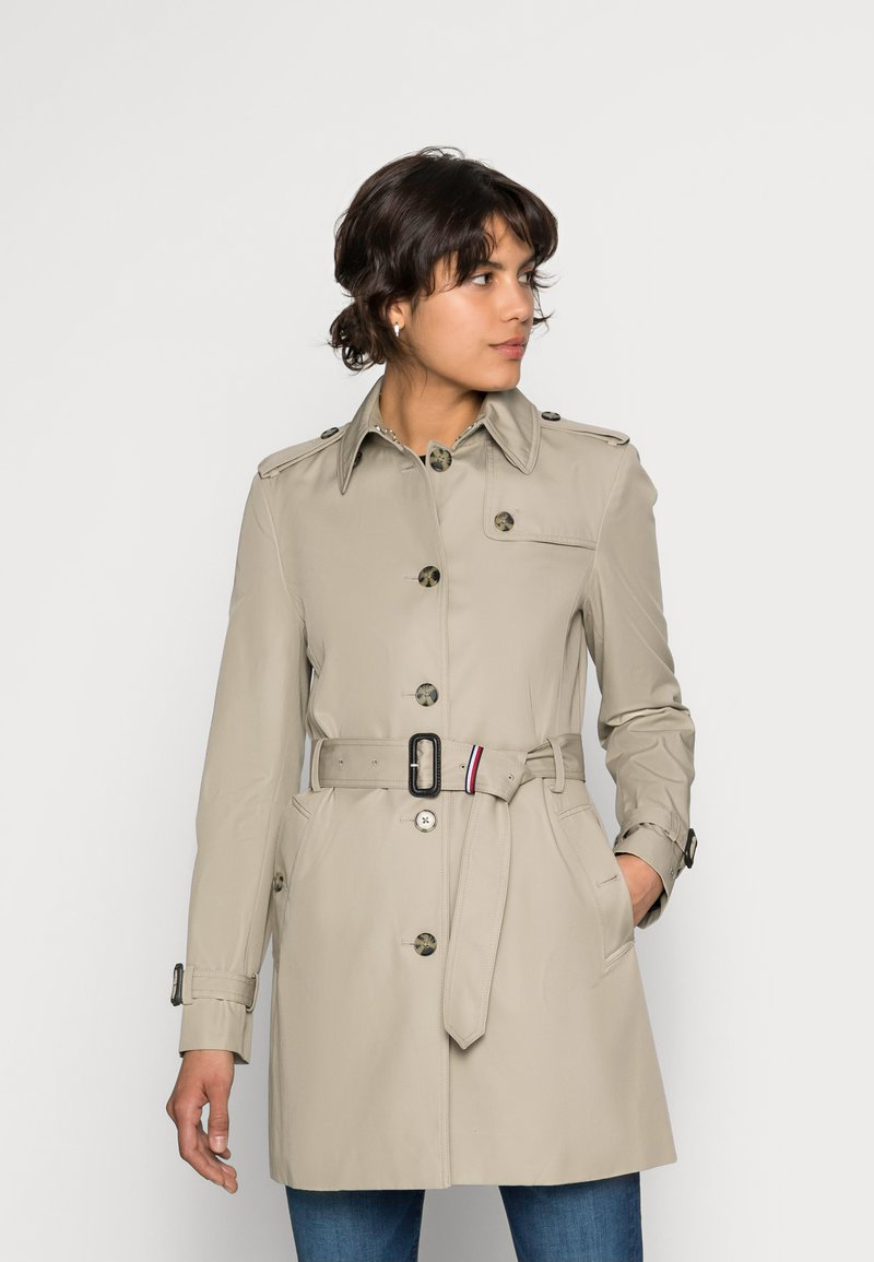 Tommy Hilfiger - HERITAGE SINGLE BREASTED - Trench - medium taupe
