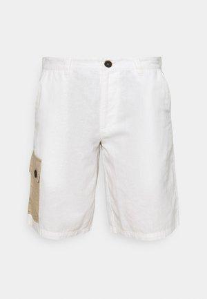 AKLT OLE CARGO - Shorts - tofu