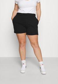 ONLY Carmakoma - CARISSY LIFE - Shorts - black - 0
