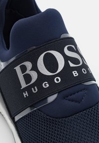 BOSS Kidswear - TRAINERS - Tenisky - navy - 5