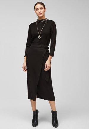 MIT SCHMUCKSTEIN-BESATZ - Long sleeved top - black