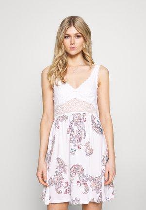 AMOURETTE SPOTLIGHT PRINT - Noční košile - white dark combination