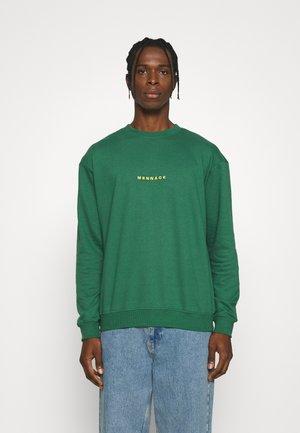 ESSENTIAL REGULAR UNISEX - Sweater - green