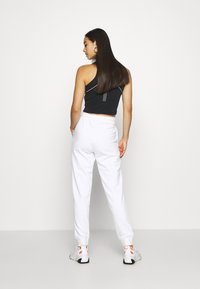 Nike Sportswear - Joggebukse - white - 2