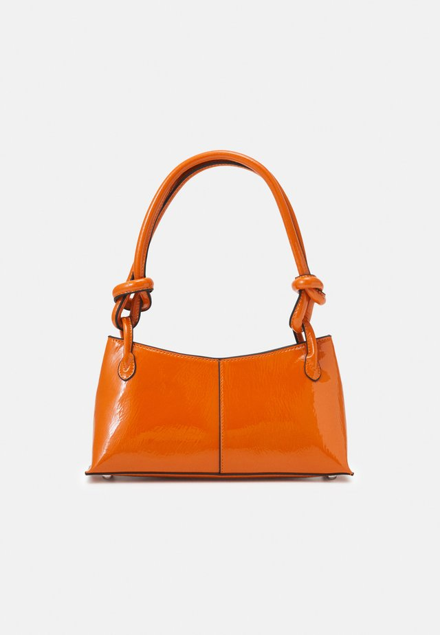 90S  KNOT SHOULDER - Handtasche - orange