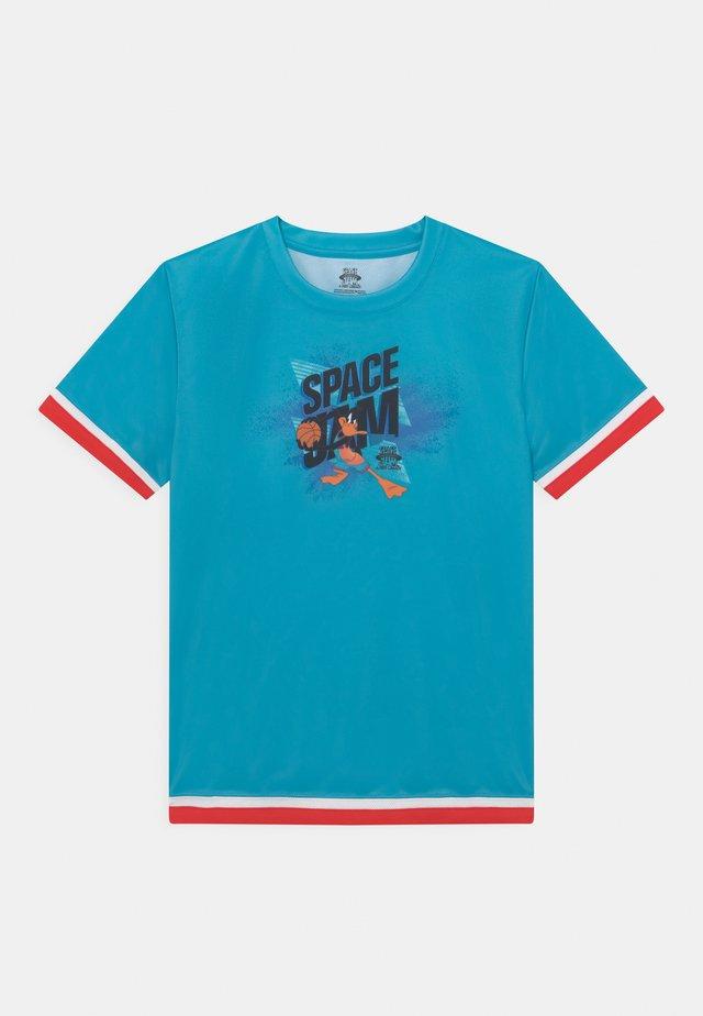 SPACE JAM JUMP BALL SHOOTER TEE UNISEX - Print T-shirt - teal