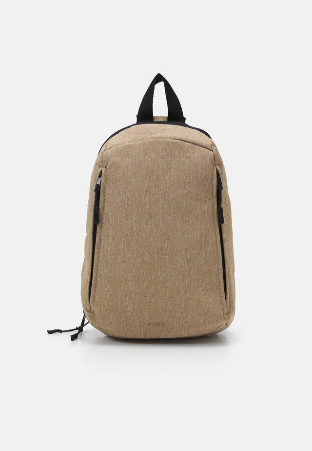 ONE STRAP BAG SLOUCHY - Batoh - beige