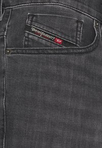 Diesel - D-FINING - Jeans Tapered Fit - grey - 4
