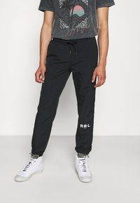 Redefined Rebel - RRHAYDEN PANTS - Tracksuit bottoms - black - 0