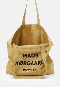 Mads Nørgaard - BOUTIQUE ATHENE - Tote bag - beige/black - 2