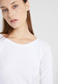Marc Cain - T-shirt à manches longues - white - 5