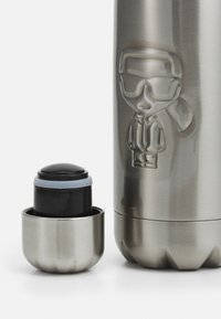 KARL LAGERFELD - IKONIK WATER BOTTLE - Accessoires Sonstiges - silver-coloured - 3