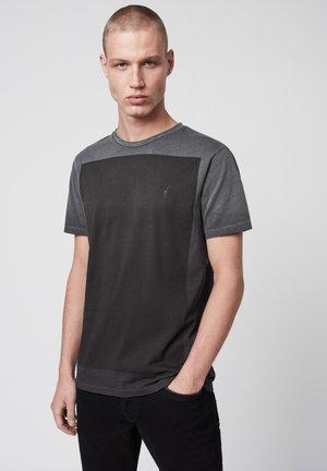 LOBKE FADE - Print T-shirt - black