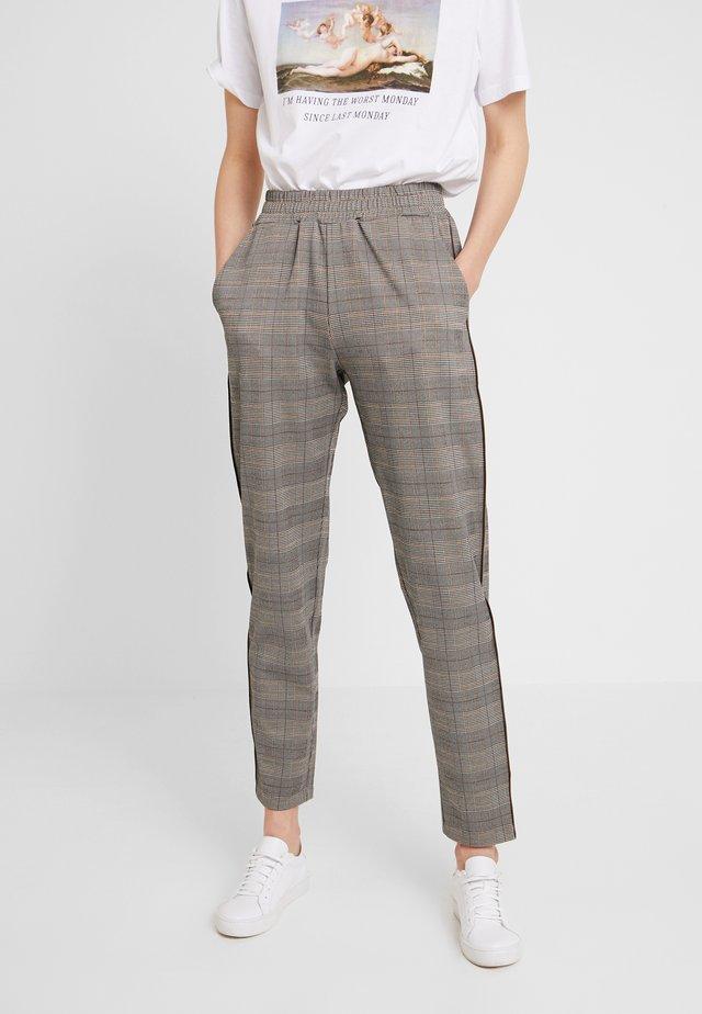 ALAYA - Pantaloni - tan combi
