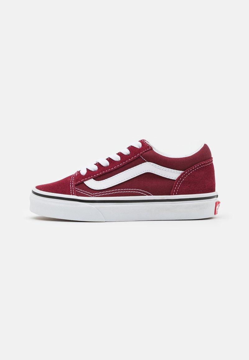 Vans - OLD SKOOL UNISEX - Trainers - pomegranate/true white