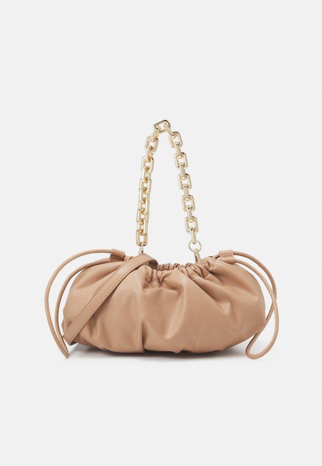 MYSEN - Käsilaukku - sandy