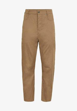 C-STAQ 3D BOYFRIEND CROPPED - Trousers - brown