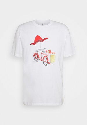 OFF THE CART GRAPHIC TEE - Print T-shirt - white