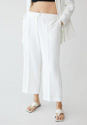 VERONICA - Spodnie materiałowe - off white