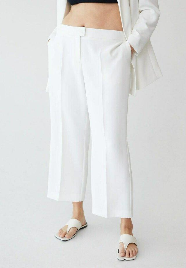 VERONICA - Pantalon classique - off white