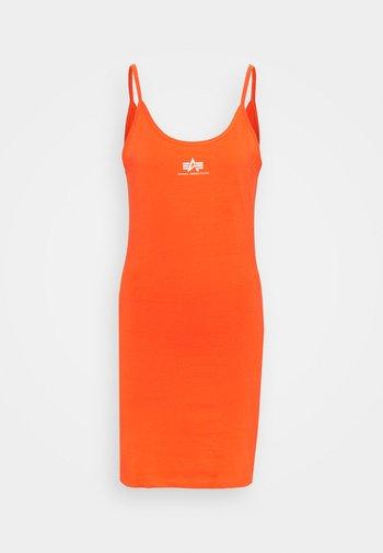 BASIC DRESS SMALL LOGO
