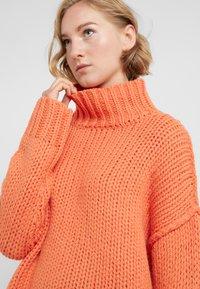 HUGO - STELLY - Stickad tröja - bright orange - 4