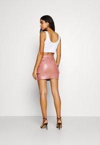 Missguided - BELTED POCKET DETAIL MINI SKIRT - Mini skirt - pink - 2