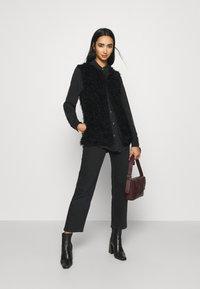 ICHI - TITO - Waistcoat - black - 1