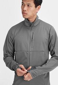 Mammut - ULTIMATE  - Soft shell jacket - titanium phantom melange - 3