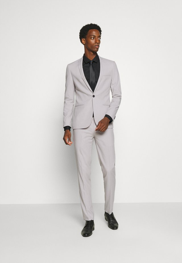 GOTHENBURG SUIT - Garnitur - pale grey