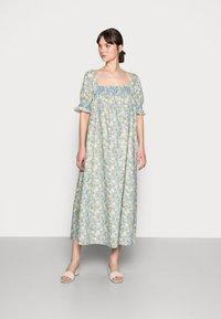 Résumé - EILEEN DRESS - Denní šaty - pastel green - 0