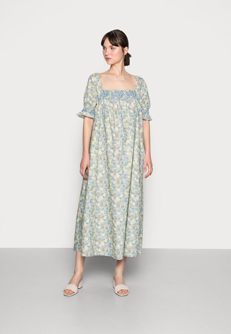 Résumé - EILEEN DRESS - Denní šaty - pastel green