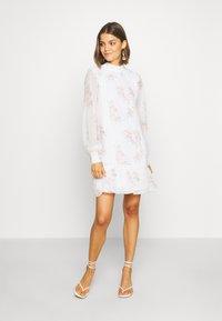 NA-KD - HIGH NECK CROCHET  - Sukienka letnia - light white - 0