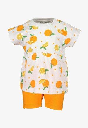 Shorts - weiss aop
