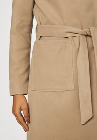ONLY - ONLNEWPHOEBE DRAPY COAT - Classic coat - camel - 5