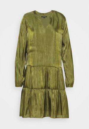 KURZ - Korte jurk - deep green
