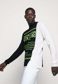Versace Jeans Couture - Jumper - black/neon green/off-white - 4