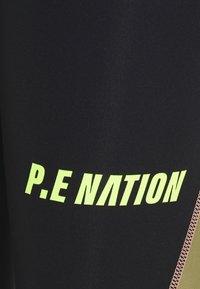 P.E Nation - OPPONENT LEGGING - Leggings - black - 2