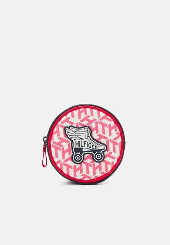 GIRLS SEASONAL MONO BUMBAG - Across body bag - deep crimson/cotton candy