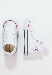 Converse - CHUCK TAYLOR AS CORE - Höga sneakers - optical white