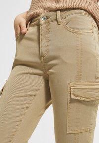 comma casual identity - Pantaloni cargo - sand - 3