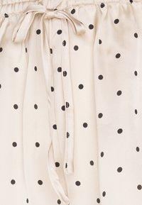 Women Secret - STRAPS SHORT PANT TRENDY - Pyjamas - nude - 5