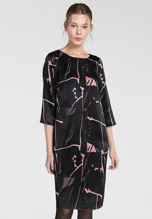 Day dress - schwarz-puder