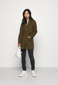 VILA PETITE - VICATTY BELTED COLLAR COAT - Classic coat - dark olive - 1