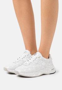 Liu Jo Jeans - Trainers - white - 0