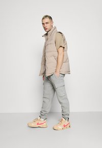 Nike Sportswear - PANT  - Pantalon de survêtement - grey heather - 1