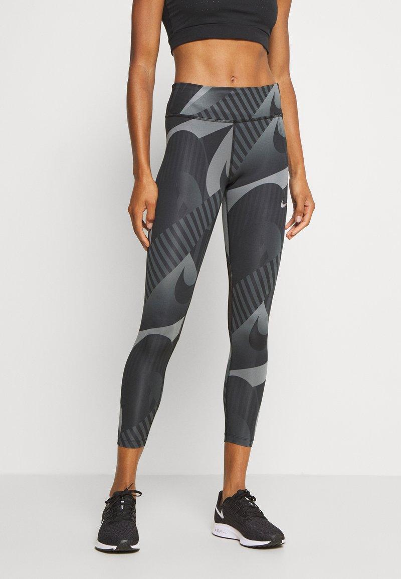 Nike Performance - FAST 7/8 RUNWAY - Leggings - black/black/reflective silver