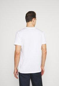 GAP - BASIC LOGO - Print T-shirt - white - 2