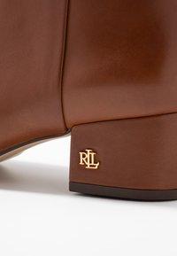 Lauren Ralph Lauren - WELFORD - Kotníkové boty - deep saddle tan - 2